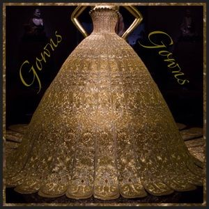 Dresses & Skirts - Gowns